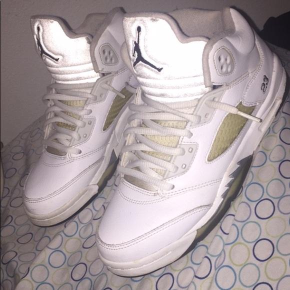 Jordan Shoes | Jordan White Metallic 5s